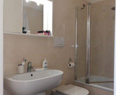 brogi 10 bagno con vasca (Copy)