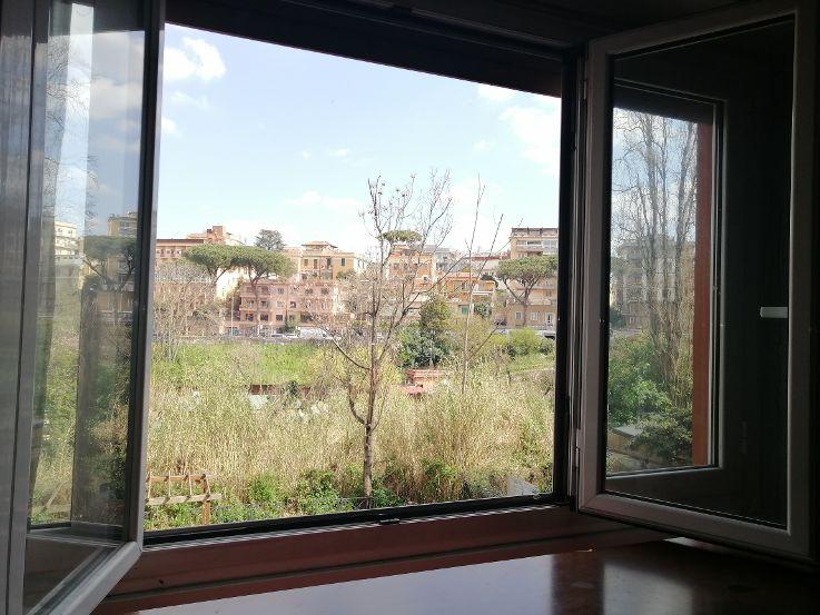 Signorile trilocale con vista Piazza Sempione- Via Val Passiria