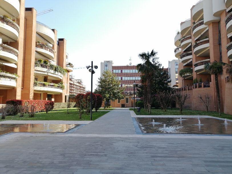 Signorile trilocale con terrazzo e box in Villini Niccodemi- Via Olindo Guerrini