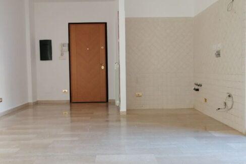 villini 9 soggiorno con ak e porta ingresso (Copy)