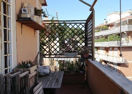 com 4 balcone grata (Copy)